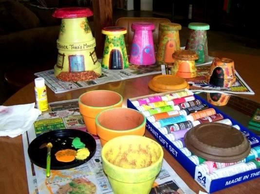 Pot painting supplies were set up