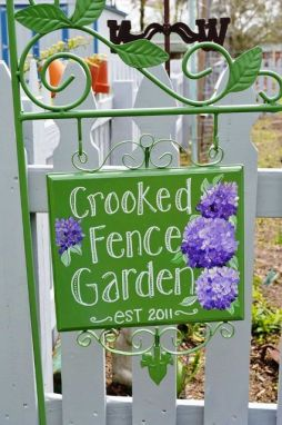 Robin Holt, Crooked Fence Crafts
