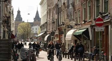 spiegelstraat Amsterdam (c) richard tulloch