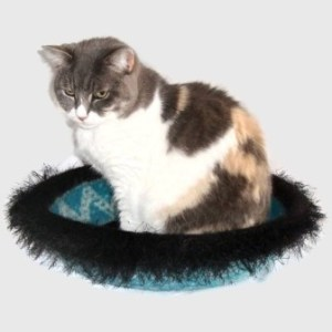 Hand Knit Peruvian Highland Wool Felted Cat Napper Cat Bed - Minnaloushe