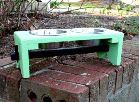 Geranium Green Painted Elevated Pet Feeder