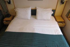 cruise ship bed