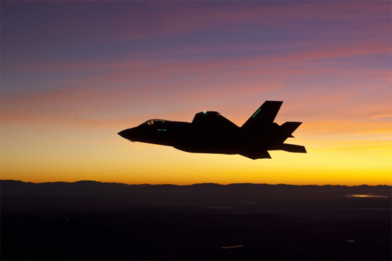 f35 night flight