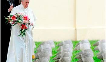 Papa Francisco presta homenagem aos mortos da Primeira Guerra Mundial na Itália