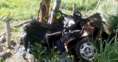Acidente matou motorista e dois adolescentes em Poconé (MT). (Foto: PM/Poconé (MT))