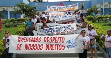 Servidores se concentram frente a prefeitura de Novo Pregresso exigindo melhorias e respeito (Foto- Jornal Folha do Progresso)
