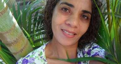 Adelair leciona Língua Portuguesa e Artes há 25 anos na escola onde foi atacada Foto: Facebook