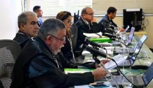Des. Mairton Carneiro durante julgamento nas Câmaras Criminais