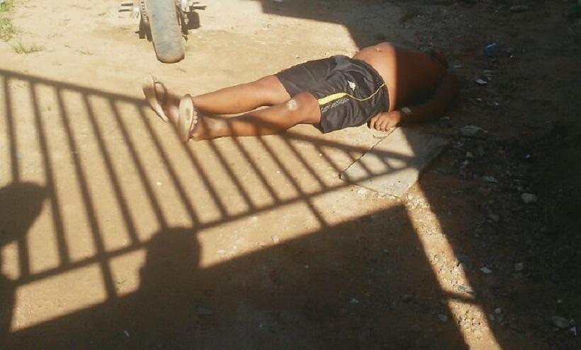"""Homem é morto a tiros em uma vila no bairro """"Jardim América"""""""
