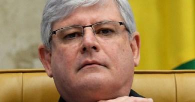 Rodrigo Janot durante sessão do STF para decidir se o ex-presidente Lula pode ser nomeado para o cargo de ministro-chefe da Casa Civil - 20/04/2016(Andressa Anholete/AFP)