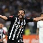Fred marca, Atlético-MG vence Corinthians e estraga estreia de Cristóvão Borges