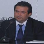 Prefeito Macarrão assina ordem de serviço e construtora da início na obra da ampliação do hospital