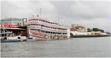 Embarcação-deixou-o-porto-de-Macapá