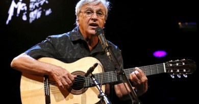 "Brazilian musician Caetano Veloso performs during their ""Two Friends, a Century of Music"" show with Gilberto Gil (not pictured)  during the 49th Montreux Jazz Festival in Montreux, Switzerland, July 15, 2015. REUTERS/Denis Balibouse  FOR EDITORIAL USE ONLY. NOT FOR SALE FOR MARKETING OR ADVERTISING CAMPAIGNS - RTX1KFVE"