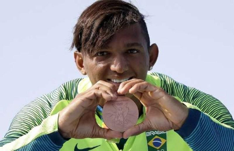 Isaquias Queiroz (bronze) - canoagem