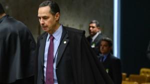 Barroso explica que análise sobre inelegibilidade para casos de abuso de poder ainda está em análise no STF