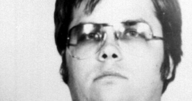 mark-david-chapman-assassino-de-john-lennon-em-foto-divulgada-pela-policia-de-nova-york-9121980-1281462059729_615x300