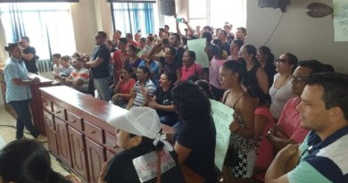 servidores_publicos_ocuparam_a_camara_de_vereadores_durante_os_protestos