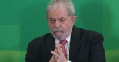52535522_BRASILBRASILIABSB17-03-2016O-ex-presidente-Lula-durante-sua-posse-como-Minist