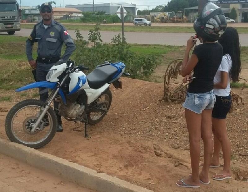 Motocicleta foi presa pelo DITRANP