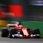 Vettel aproveita estratégia da Ferrari, derrota Hamilton e abre temporada 2017 com vitória no sonolento GP da Austrália