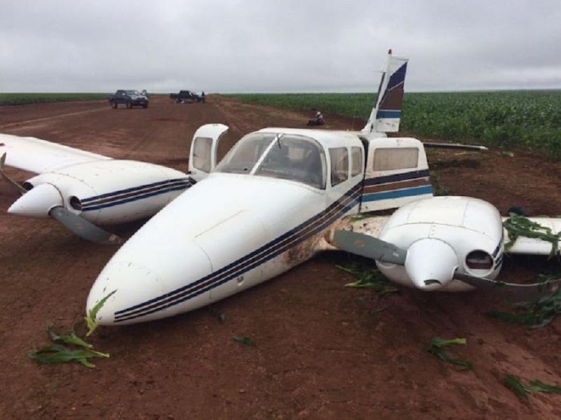 Avião com 400 quilos de cocaína cai em MT e cinco são presos