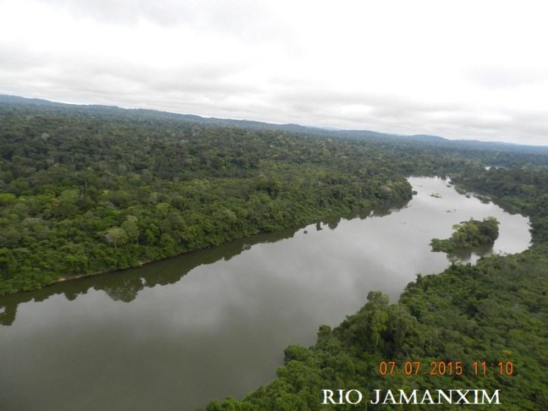 Rio Jamanxim , faz divisa com as áreas de conservação(UCs) em Novo Progresso.