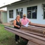 Prefeitura doa madeira apreendida a escola municipal Dep. João Carlos Batista