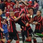 Atlético Paranaense goleia o Vitória pela Série A