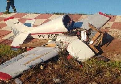 Piloto de monomotor que caiu em Pará de Minas está com a habilitação suspensa desde 2010, diz Anac