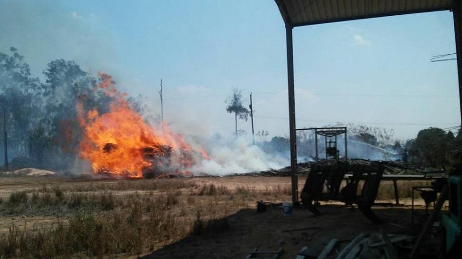 Incêndio destrói pátio de madeireira desativada em Novo Progresso