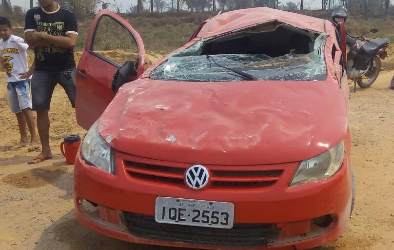 Carro que capotou na estrada da prainha tinha adolescente na direção