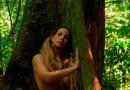 Valesca Popozuda posa nua contra Temer na Amazônia
