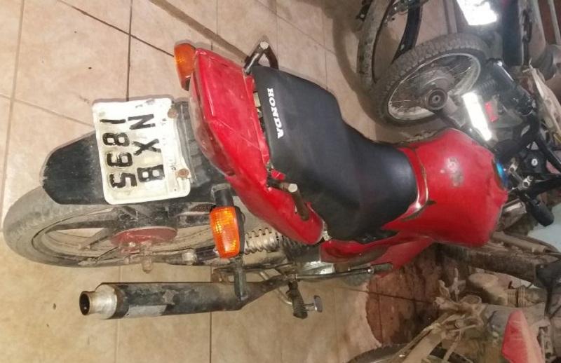 Menor é apreendido pilotando moto e suspeito de embriaguez