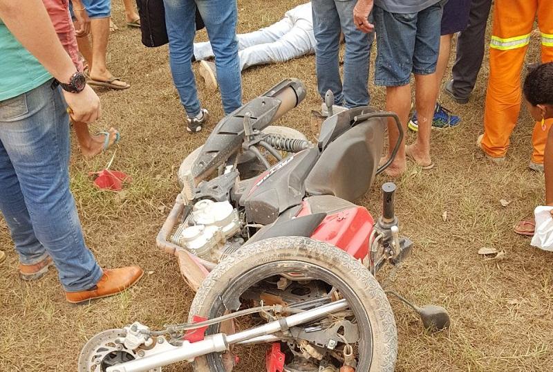 Motociclista perde controle e bate em canteiro central da BR-163