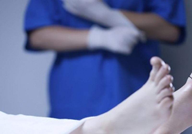 MACABRO: Marido flagra enfermeiro fazendo sexo com o corpo da esposa