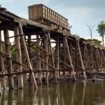 Desgaste de pontes de madeira tem preocupado usuários e moradores doutro lado do rio jamanxim