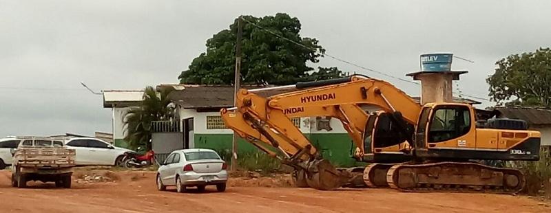 Escavadeiras detidas na DEPOL de Novo Progresso