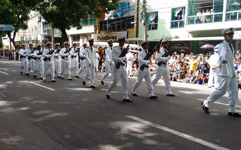 Marinha abre concurso público com salário de quase R$ 9 mil
