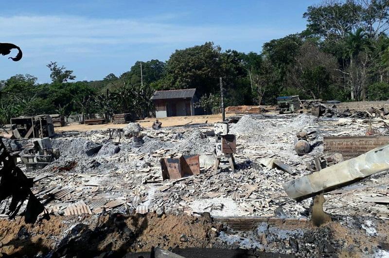 Incêndio destrói marcenaria em Novo Progresso