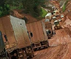 O Caos – Descaso e abandono nas rodovias no Pará (Transamazônica-Foto Arquivo Jornal Folha do Progresso)