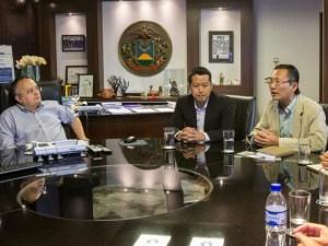 Chineses com Governador Pedro Taques