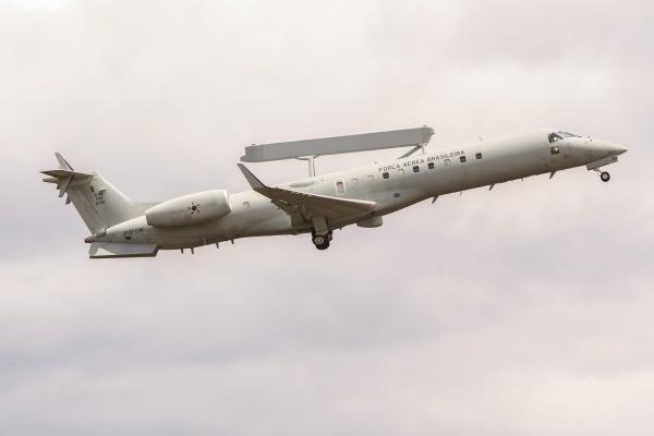 FAB intercepta avião suspeito em Mato Grosso do Sul
