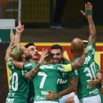 Palmeiras mostra evolução, bate o Internacional e vence a primeira no Brasileiro