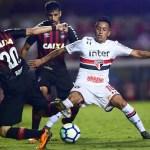 São Paulo abre 2 a 0, mas cede empate ao Atlético-PR e acaba eliminado da Copa do Brasil