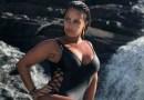 Uau! Viviane Araújo esbanja beleza em clique durante passeio em cachoeira