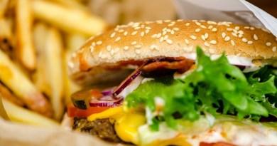 burgers-3203841-1920