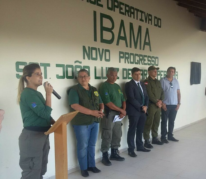Maria Luiza na base do IBAMA. (Foto:Jornal Folha do Progresso)