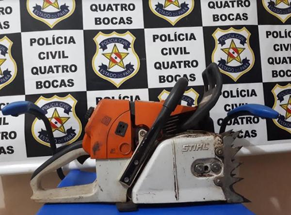 Motosserra usada na extração ilegal da madeira. (Foto: Polícia Civil/Divulgação)