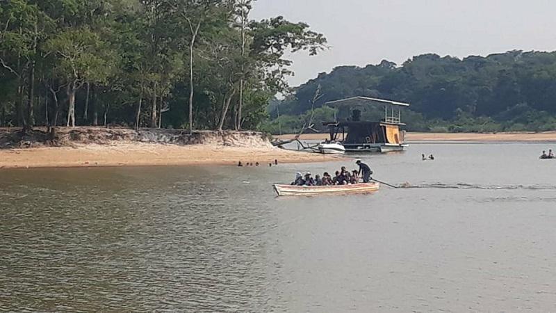 praia barco